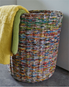table_pic_att149316968433-238x300 Плетение из газетных трубочек для начинающих пошагово: техника плетения, мастер класс, фото. Плетение корзин, шкатулок, коробок из газет для начинающих: схемы, загибы, фото