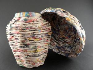 table_pic_att149316968935-300x225 Плетение из газетных трубочек для начинающих пошагово: техника плетения, мастер класс, фото. Плетение корзин, шкатулок, коробок из газет для начинающих: схемы, загибы, фото