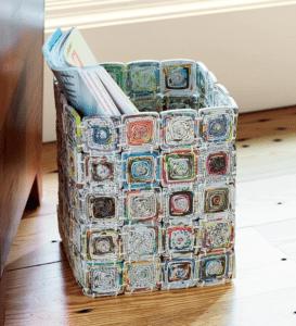 table_pic_att149316969336-273x300 Плетение из газетных трубочек для начинающих пошагово: техника плетения, мастер класс, фото. Плетение корзин, шкатулок, коробок из газет для начинающих: схемы, загибы, фото