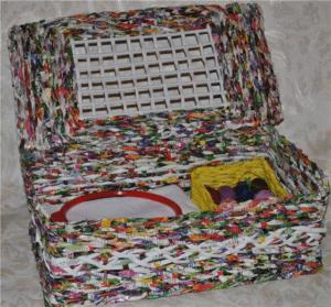 table_pic_att149316969637-300x279 Плетение из газетных трубочек для начинающих пошагово: техника плетения, мастер класс, фото. Плетение корзин, шкатулок, коробок из газет для начинающих: схемы, загибы, фото