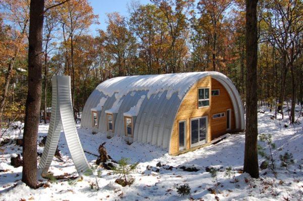 Технологию бескаркасных ангаров можно использовать даже для строительства загородных домов.