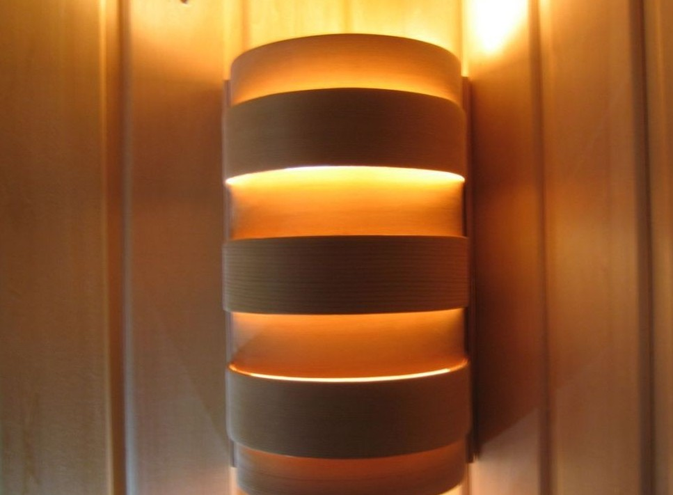 Тёплый приглушённый свет – идеальный вариант для бани