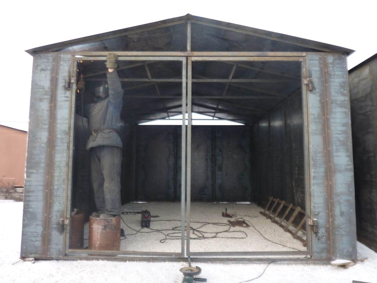 Тип ворот нужно выбрать еще до строительства гаража.