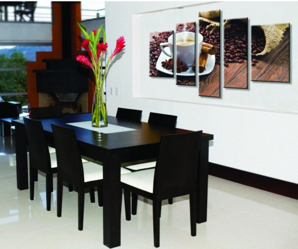 Точная цветопередача освещения позволит вам дополнить дизайн кухни картинами и репродукциями.
