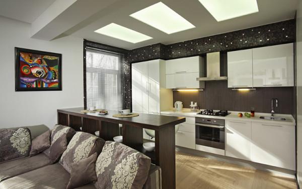 Цвет стойки может отличаться от цвета стола кухонного гарнитура, но он должен сочетаться с обстановкой