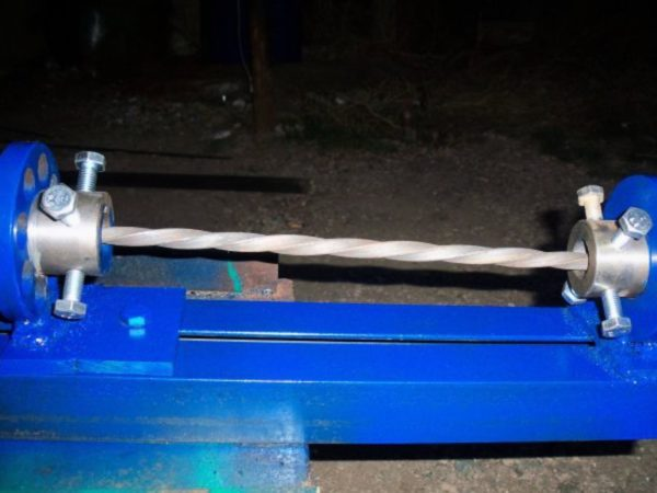 Твистер позволяет скручивать прут вдоль своей оси