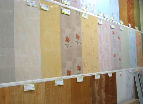 Варианты пластиковых панелей доступны большинству покупателей