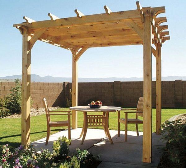 Вот такая получилась пергола – деревянная конструкция простоит многие годы, если периодически обновлять защитную пропитку
