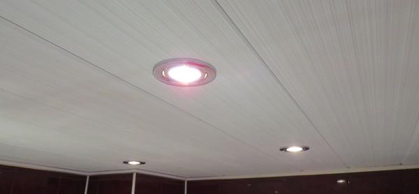 Возможность установки встроенного света – тоже плюс