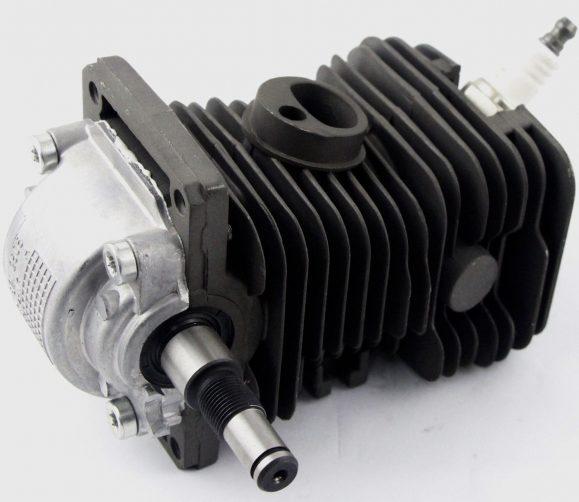 Высокую производительность агрегату обеспечивает достаточно мощный для его размера двигатель.