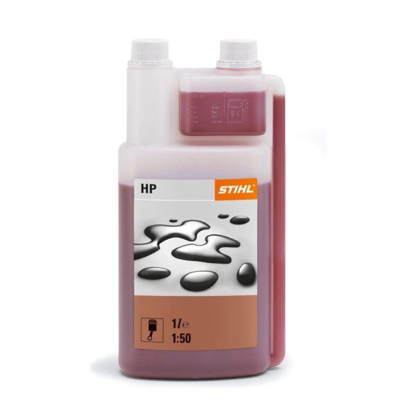 Заправляйте бензопилу только качественными горюче-смазочными материалами, хорошо, если они будут фирменными.