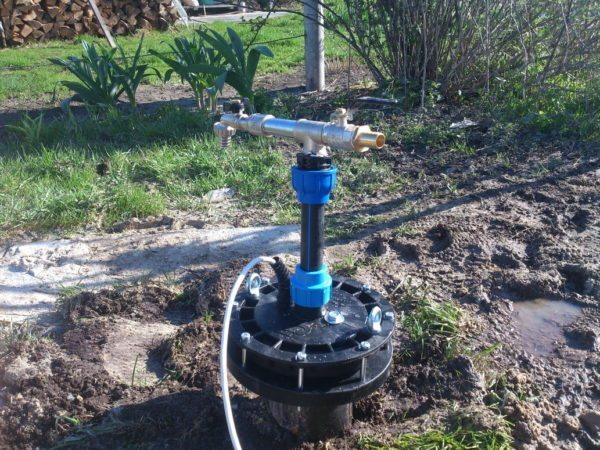 Защитная конструкция обеспечивает работоспособность всей системы, изолируя водоносный слой от внешней среды