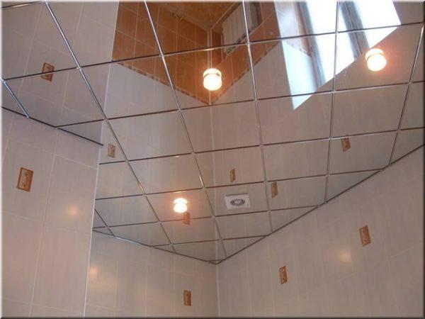 Зеркальный подвесной потолок – всегда актуальная классика